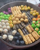 Street food 8 for RM$10 • • #shotoniphone #shotoniphoneXr #yellowXr  #zhaoxinginkl #exploringmalaysia  #singaporeeats  #sgeats  #sgig #instafood #foodstagram #whati8today #burpple #iphonephotography #mobilephotography