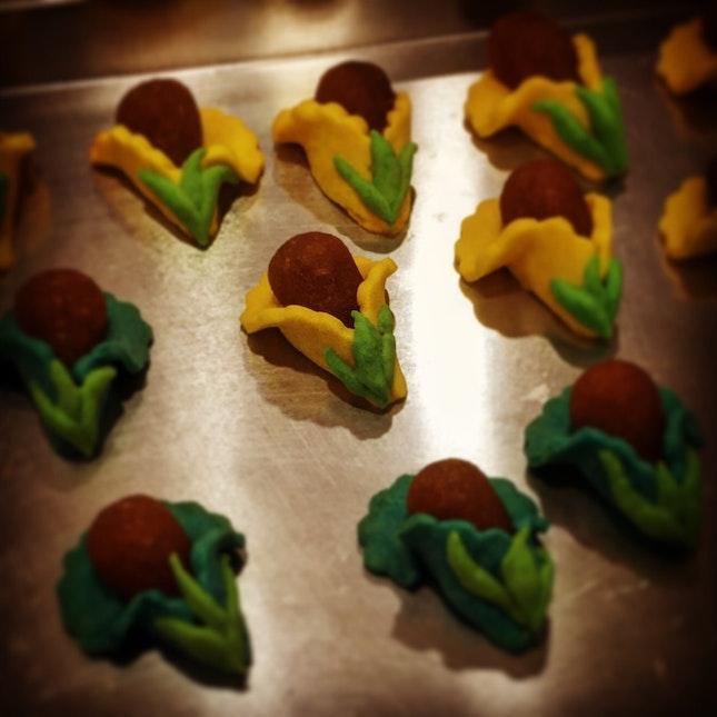 Happy Pineapple Tarts Blossom My Saturday!