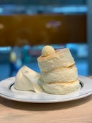 gram café & pancakes (แกรม คาเฟ่ แอนด์ แพนเค้ก)