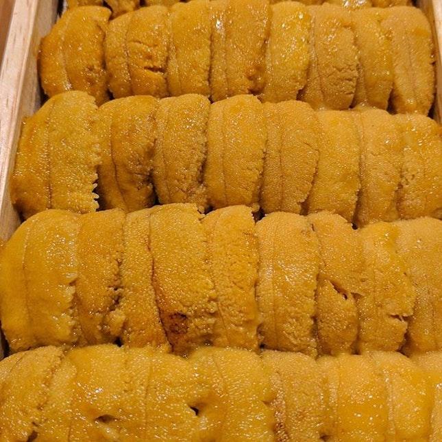 [#scribsnapscrib_taipei]  Uni-ed to see this 🤣  #taipeifood #uni #toro #scallop #ebi #sashimi #burpple #一家壽司
