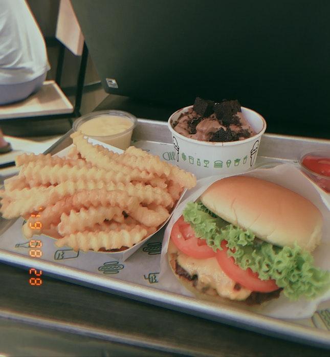 signature burger!!