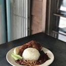 Nasi lemak Ayam [RM12.10] .