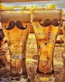 🍻 Night with @gutterstriker @skinnnybones @pollyaggie #OrderYuzuBeerWithStirrer #SuperbTongsSkillsForSojuGlass #Bubbles #AlinaGoesHappyHour #beer #onthetable #burpple #vsco #vscocam #vscofood #igsg #sgig #instadaily #singapore #exploresingapore #singaporeinsiders #webstagram #인스타그램 #싱가폴 #맥주 #소맥