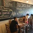 #oldschooldelights #chendol #chickenwings #sgfood #sgfoodies #burpple Nice old school cafe