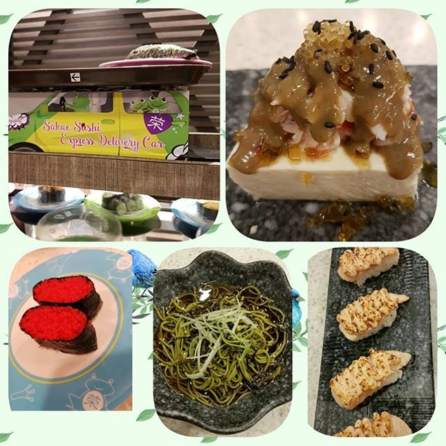 @sakaesushi #sgfood #sgfoodies #yummy #burpple #sushi #foodporn #food #brunch #foodlover  auto dispense food train on conveyer is pretty cool.
