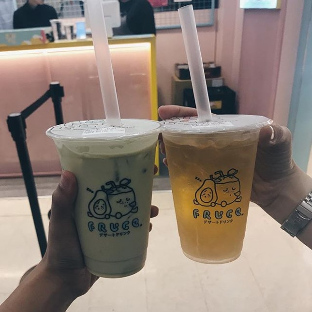 my to-go place to satisfy my drink cravings ~~~ i absolutely love the pairing of durian avocado (left) they go tgt so well.