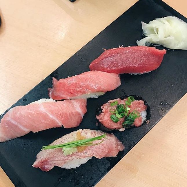deliciousness @ sushi zanmai; albeit a chain store but the tuna platter was to die for.