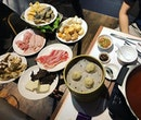 Reminiscing old times with the XLB Steamboat buffet...