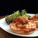 Bagel Chorizo Tomato With Mozzarella Cheese And Tomato Pesto