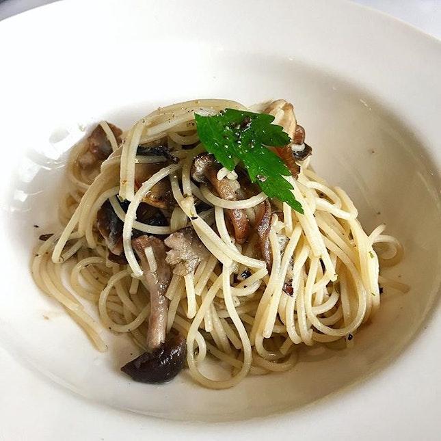 Organic mushroom aglio olio!