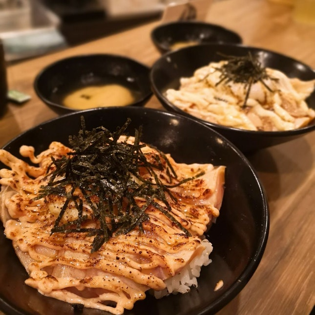 Salmon mentaiko donburi