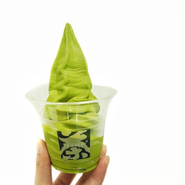 Matcha Soft Serve ☻☻☻☻☻☻☻☻☻☻ Received a soft serve that towered over the cup and felt content with this 👏 🔅 What's not meant to be Will not be.