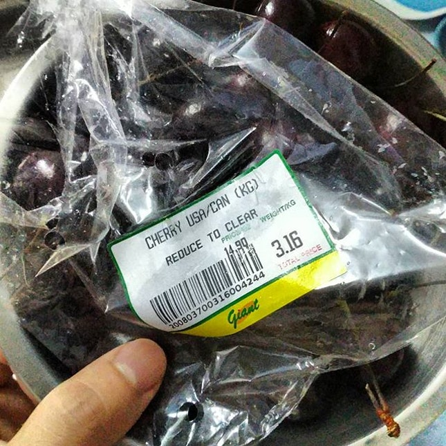 Zomg cherries reduced to clear only $3, it's about 413g.