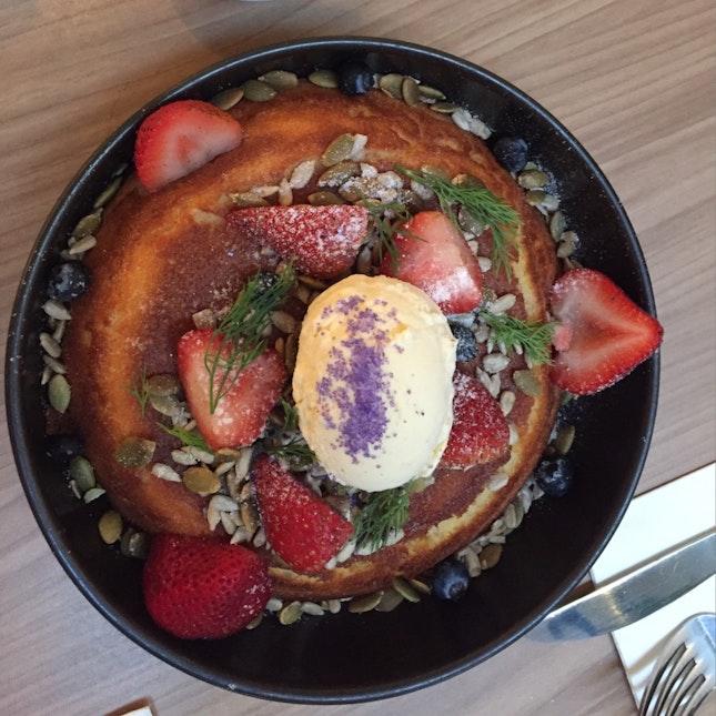 Berries Hotcake
