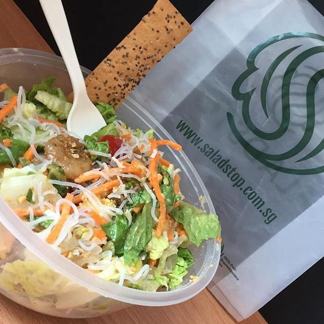 Seasonal Salad : Ting Tong ($12.50) 😱 Super love my choice of salad today!