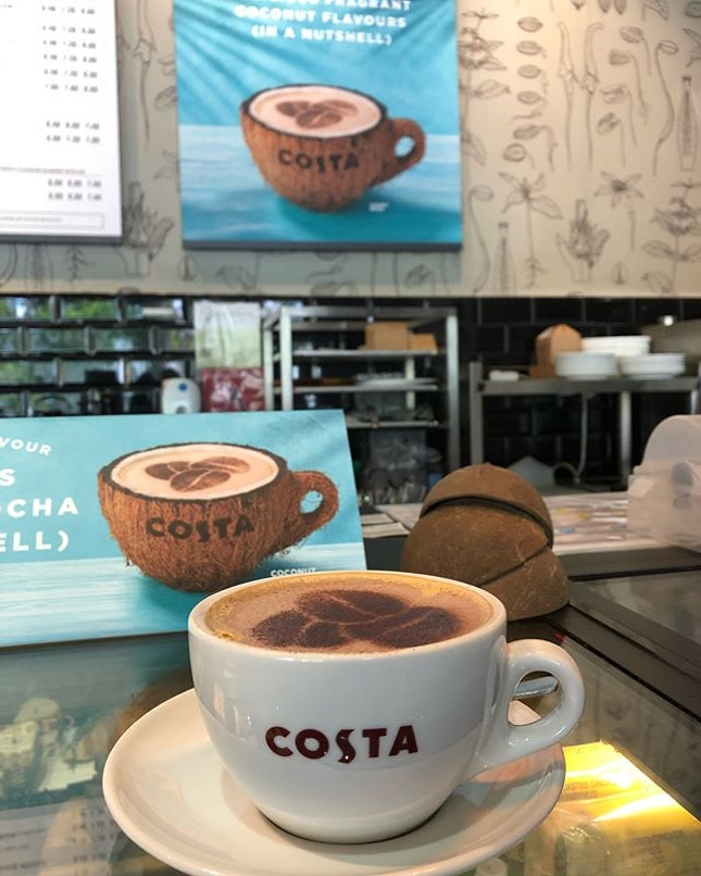 Coconut Mocha ($6.70) 🥥☕️ 新衣,新鞋,新包包。 新咖啡口味,新尝试。 开工大吉🍊🍊 #burpple