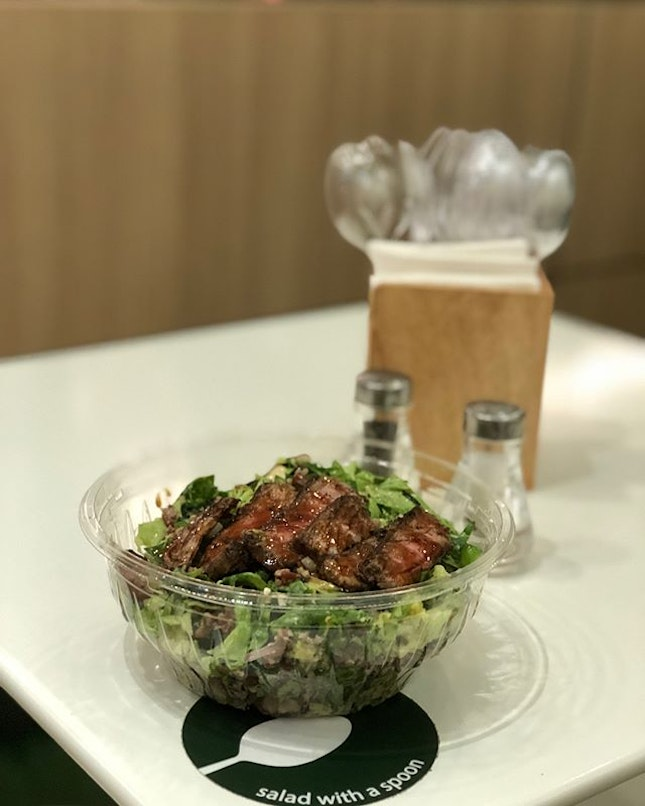 Premium Beef Tataki Salad ($14.80) 🥗 I like everything in this healthy bowl: wagyu beef, romaine lettuce, brown rice, quinoa, shitake mushroom, red onion, broccoli, snow pea, wakame, sesame dressing 😍😍 🥗 Plus points: everything chopped up & you can enjoy at ease & mess free with a spoon and from a wide face bowl 😘😘 🥗 Building up my 'loyalty' on their loyalty card 😅 Didn't realize that they now have Bentos on the menu 😋 🍱 #burpple