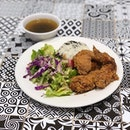 Honey Soy Fried Chicken Wings & Rice Set ($12.90) 🍗