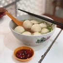 8 big round fluffy fishballs ($4)