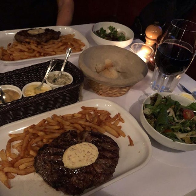 Grilled Black Angus Rib Eye Steak (300gm) with 'Vigneron' Butter ($39.80) was simply heavenly fabulously good!