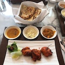 I must say I was rather happy & pleasantly surprised with the Executive Set Lunch offered at $20 🍽 I chose Murg Paprika Tikka from the menu and the chicken tikka was good!