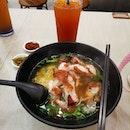 Crispy chicken soup noodles.
