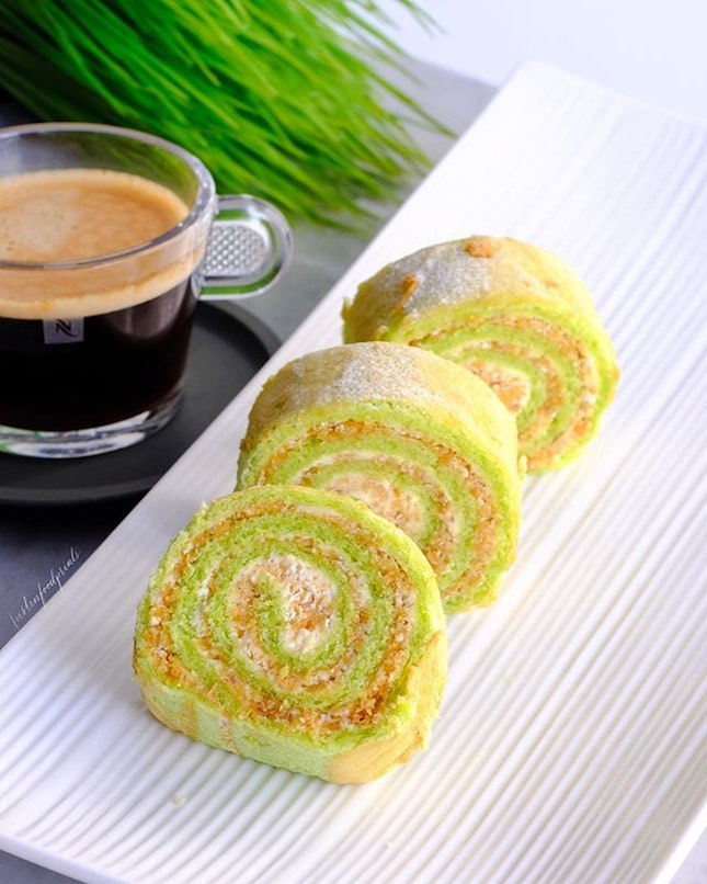 Ondeh Ondeh Swiss rolls (20 for $38.80).