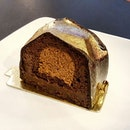 Chillax day in @starbucks just enjoying our Chocolate Praline Cake($6.90) while the day goes by...