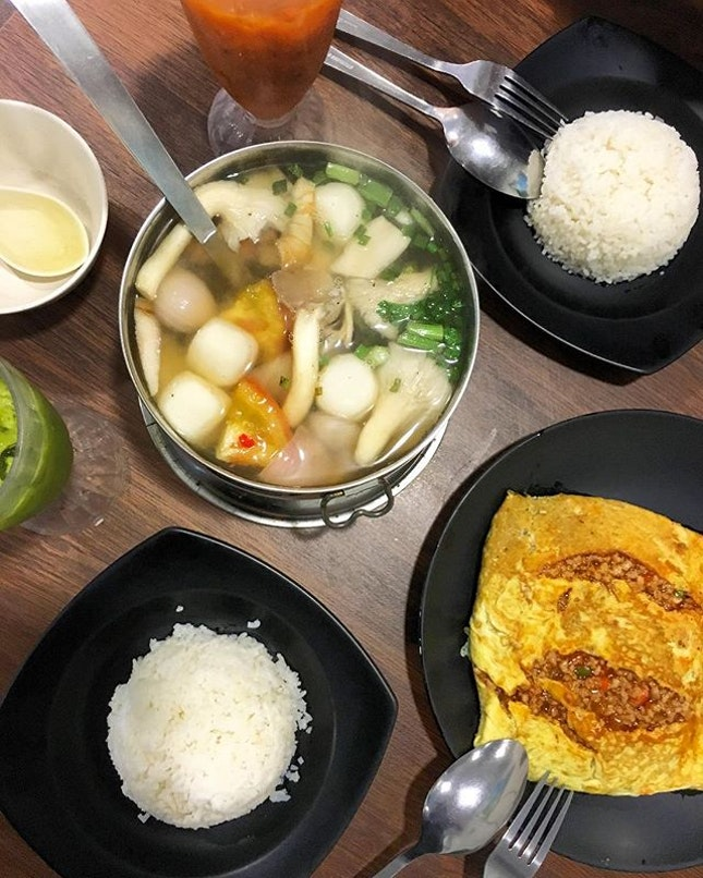 For some authentic and legit Thai food, you should head down to Thai Tantric and check out their spread!