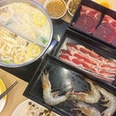 Collagen hot pot with free flow premium meat and prawn