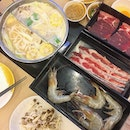 Collagen hotpot with free flow premium meat and prawns