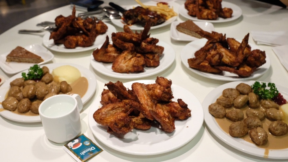 Chicken Wings Buffet And Meatballs