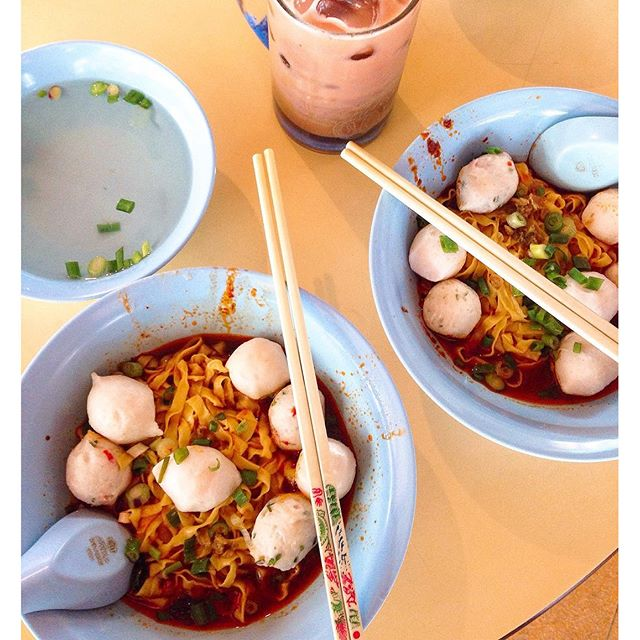 [Song Kee Kway Teow Noodles] 6/10  Disappointing :( Read many good reviews on Burpple so we decided to pay a visit during our lunch break.