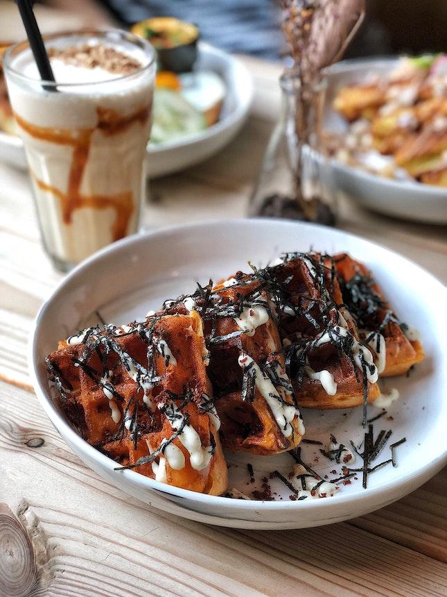 Kimchi Seafood Waffle ($15.80)