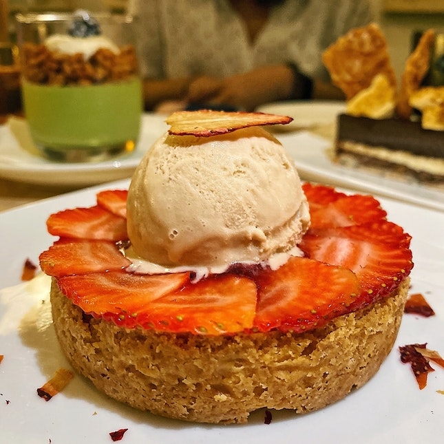 Strawberry Tart w/ Balsamic Vinegar Ice Cream ($28)