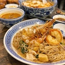 Wok-Fried Big Prawn White Bee Hoon ($16.80)