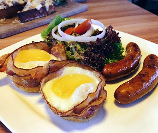 After being around for sometime, we returned again lately to check out their waffles and brunch items.