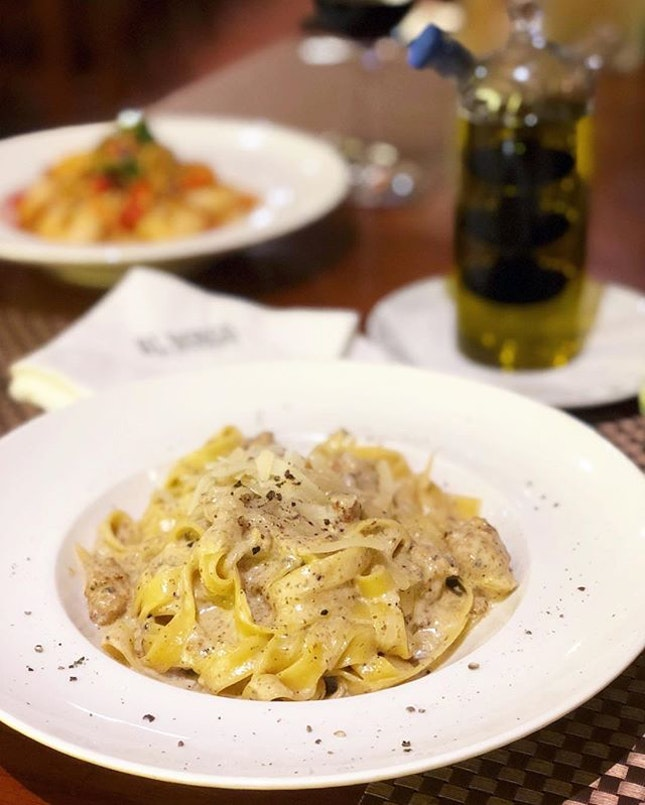 This Fettuccine con Salsicca e Tartufo was exclusive on its menu at the quieter outlet at Namly Ave.