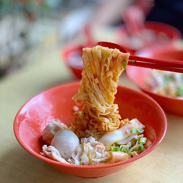 Probably not the best mee pok to you, but it's one of the best mee poks that I grew up with my parent and now my boyfriend.