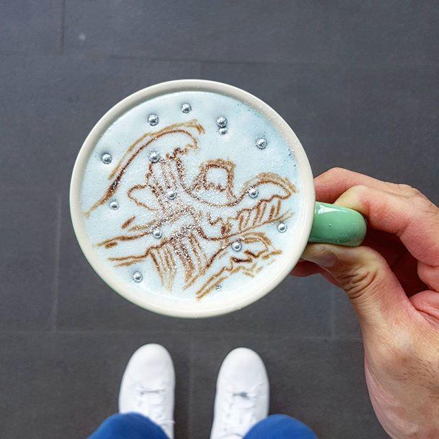 Good morning the great wave off kanagawa * #latteart  #burpple  #podcult #hobikopi  #anakkopi #latteartist #baristadaily #coffeeuniverse #manmakecoffee #thecoffeefusion #thecoffeestation #alternativebrewing #masfotokopi #mbakfotokopi #latteartgram #videomasak  #coffeegical #madaboutbrew #freepouring #thegreatwaveoffkanagawa
