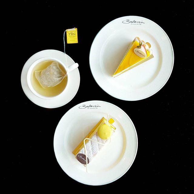 Afternoon tea with @bakerzinsg * #bakerzinsg #starvingfoodseeker #burpple #hungrysquad #foodstarz #videomasak #phaat #foodbossindia #losangeleseats #eatingnyc #damien_tc #singaporeinsiders #thisisinsiderfood #jktfoodbang #exploreflavours #asiafoodporn #feedthepanda #foodie #dailyfoodfeed #thisisinsider #thisisinsiderfood