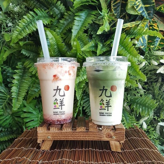 I swear the weather is killing 😂😂😂 * Luckily I got @ninefresh Strawberry Earl Grey & Matcha to save the day.