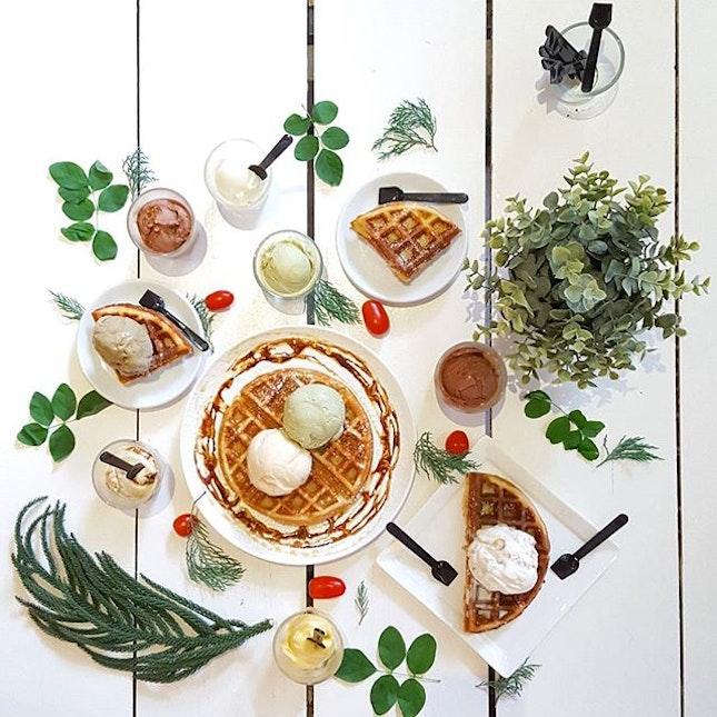 I Scream😋😋😋 * #lowercasesg #starvingfoodseeker #burpple #hungrysquad #foodstarz #videomasak #phaat #foodbossindia #losangeleseats #eatingnyc #damien_tc #singaporeinsiders #thisisinsiderfood #jktfoodbang #exploreflavours #asiafoodporn #feedthepanda #foodie #dailyfoodfeed #thisisinsider #thisisinsiderfood