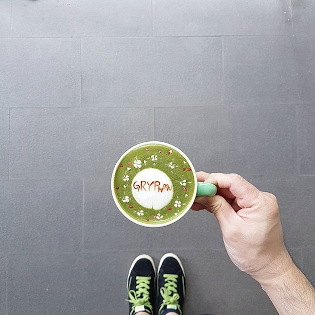 Rainy day makes Matcha tasted so Matcha better * Thanks @gryphontea for sending over the samples * #carolmel #carolmelcafe #carolmelcafesg #carol_mel_cafe  #matcha #latteart  #burpple  #podcult #hobikopi  #anakkopi #latteartist #baristadaily #coffeeuniverse #manmakecoffee #thecoffeefusion #thecoffeestation #alternativebrewing #masfotokopi #mbakfotokopi #latteartgram #videomasak  #coffeegical #madaboutbrew #freepouring