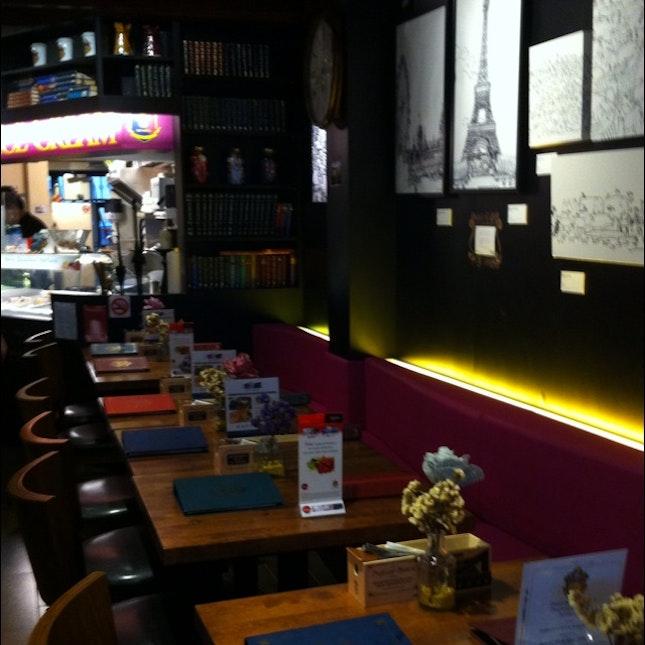 Professor Brawn Cafe - Nice Drawings On The Wall And Setup