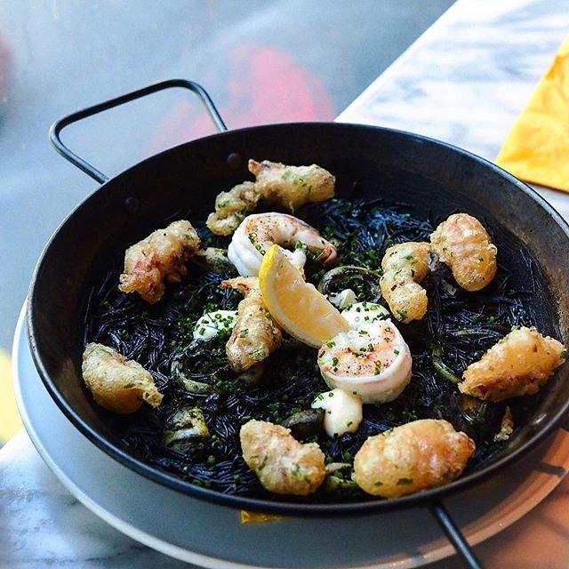 Squid Ink Noodle Paella 🥘 (Taste so good!
