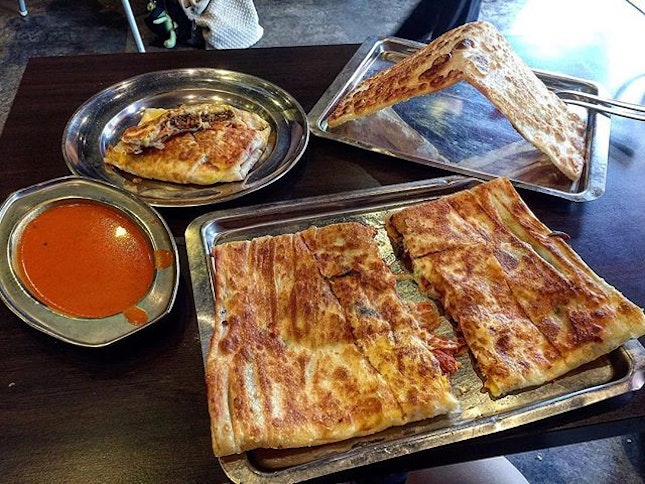 2 versions of Murtabak, don't underestimate them must be shared.