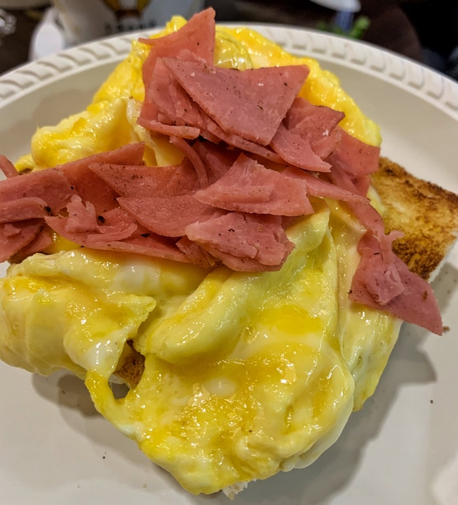 Scrambled Eggs Thick Toast ($3.80)