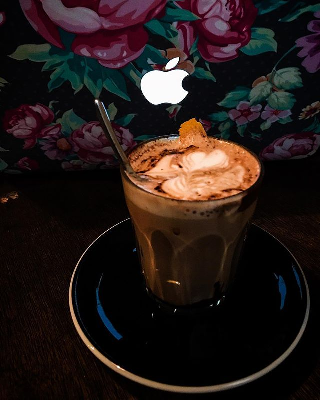 Ronin - Drink - Genovese Coffee - Generra (Hot/Iced) (💵S$6/S$8) Orange Mocha 🍊 • Know that Chocolate Bar infused with Orange bits?