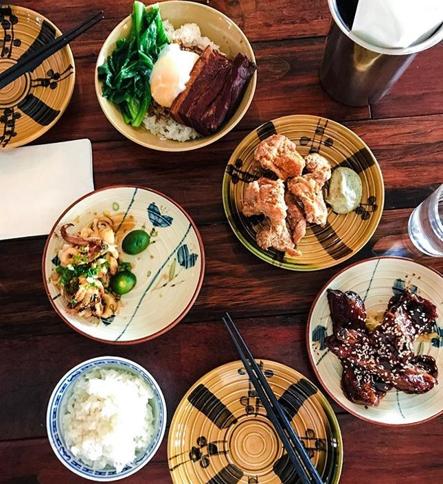 FIVE TEN - ACAMASEATS & TIPS💮: A Taiwanese Tapas Style Restaurant that serves pimp up Taiwanese Street Food at 💵S$5/Small Plates & 💵S$10/Big Plates.